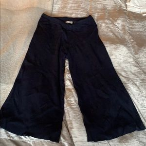 Zara navy gaucho crop pants